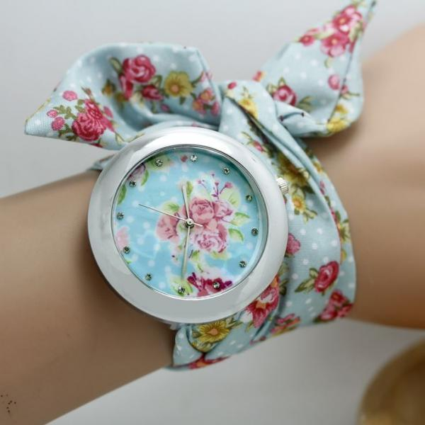 Blue Floral Cloth Strap Teen Girl Watch On Luulla-9019
